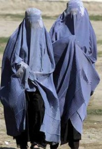 Women wearing burkas. (Photo Credit: Second City Style.)